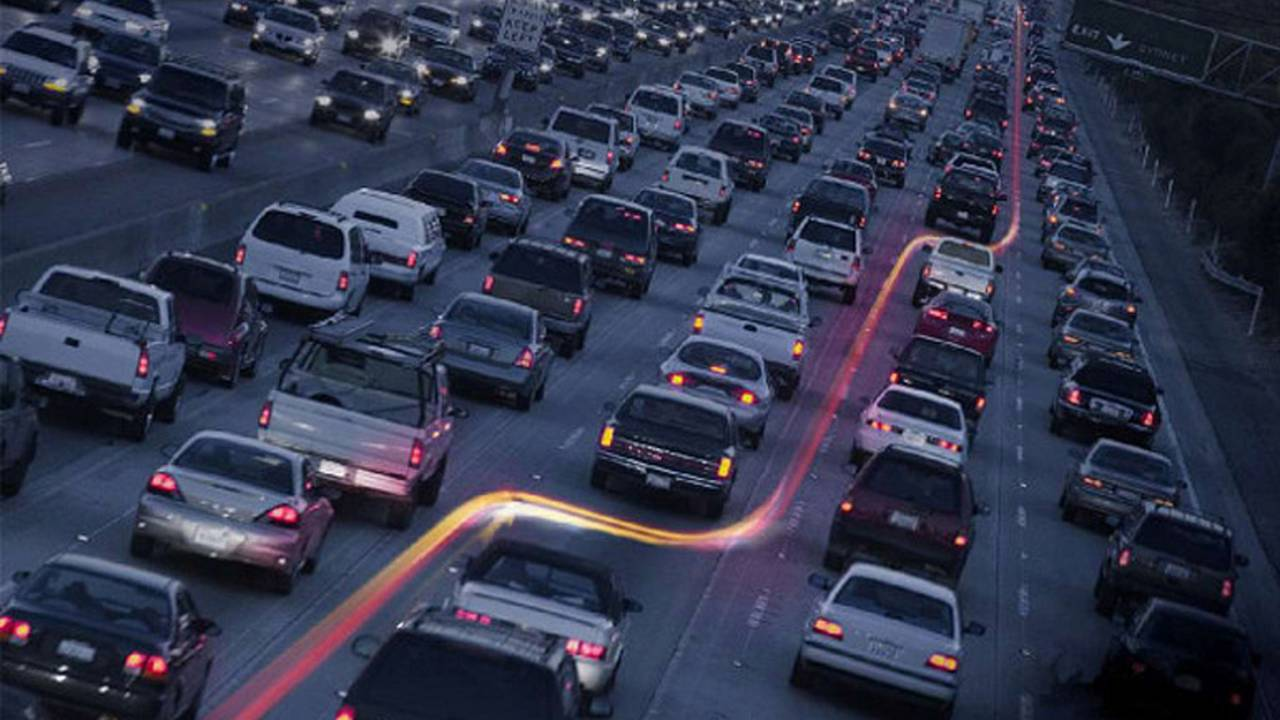The width of many US highways make them ideal for lane splitting.