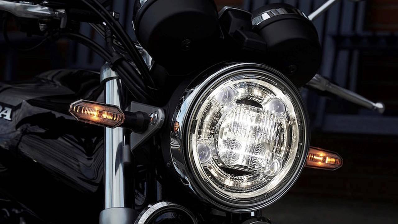 2017 honda cb1100 rs a closer look rh rideapart com house wiring circuits diagram \u003cstrong\u003eit may look like a traditional headlight, but it is not