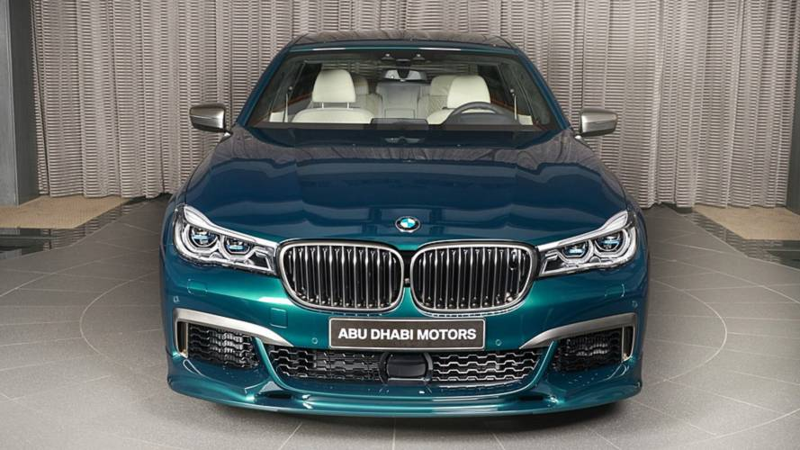 BMW M760Li xDrive Boston Green