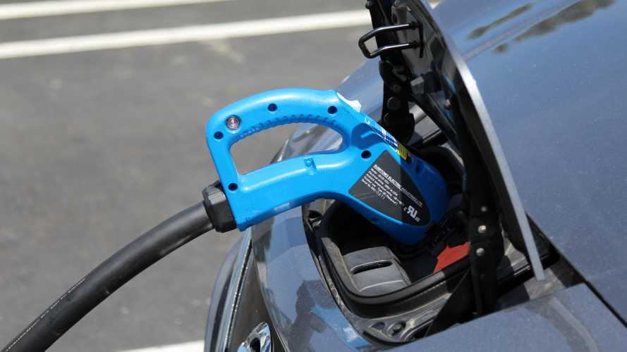 Sumitomo Electric's SEVD-11U CHAdeMO Charges In Boost Mode