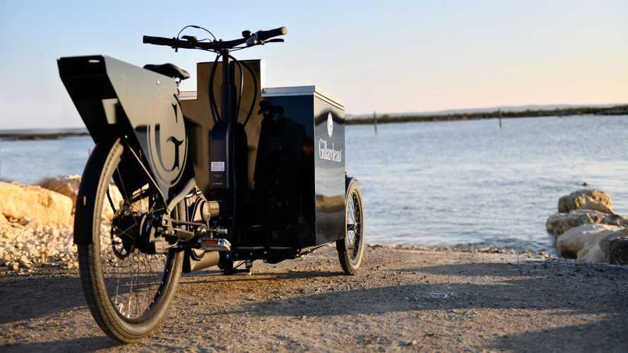 Peugeot firma la bici con frigo per gustarsi le ostriche