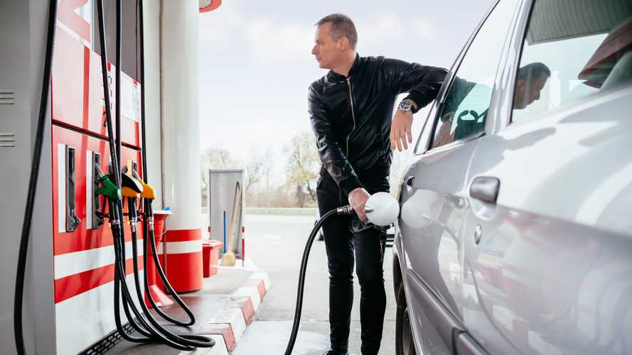 UK petrol prices rise for sixth month in a row