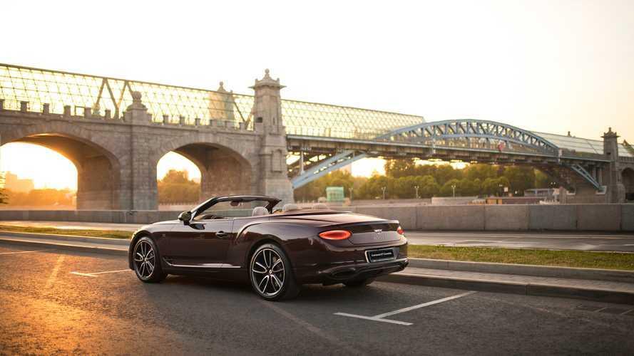 В России появился роскошный кабриолет Bentley Continental GT