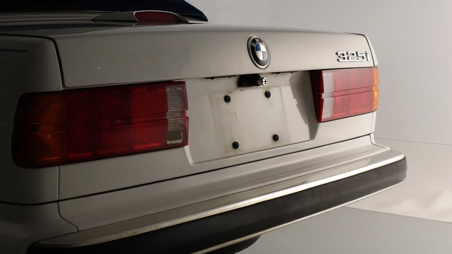 """[""""Alpine White 1989 BMW 325i Is A Lovely Convertible""""]"""