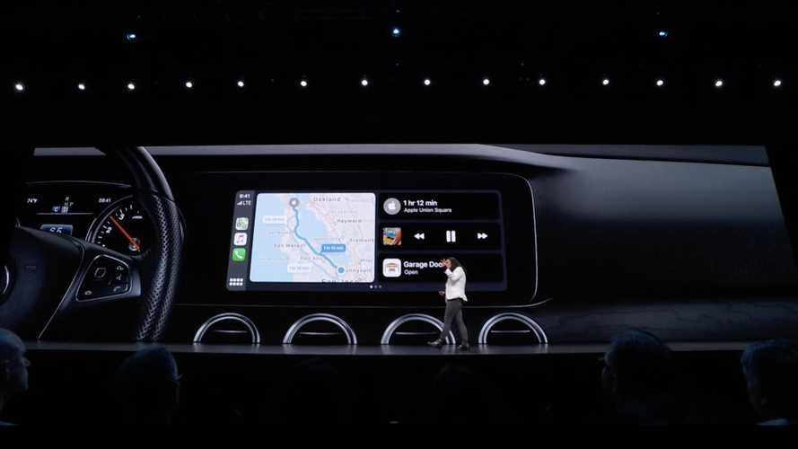 Apple CarPlay, nuova grafica e Siri