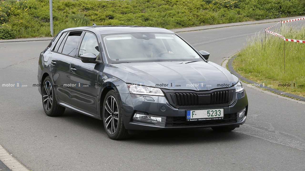 2020 Skoda Octavia Combi Spied With Deceiving Camo Update