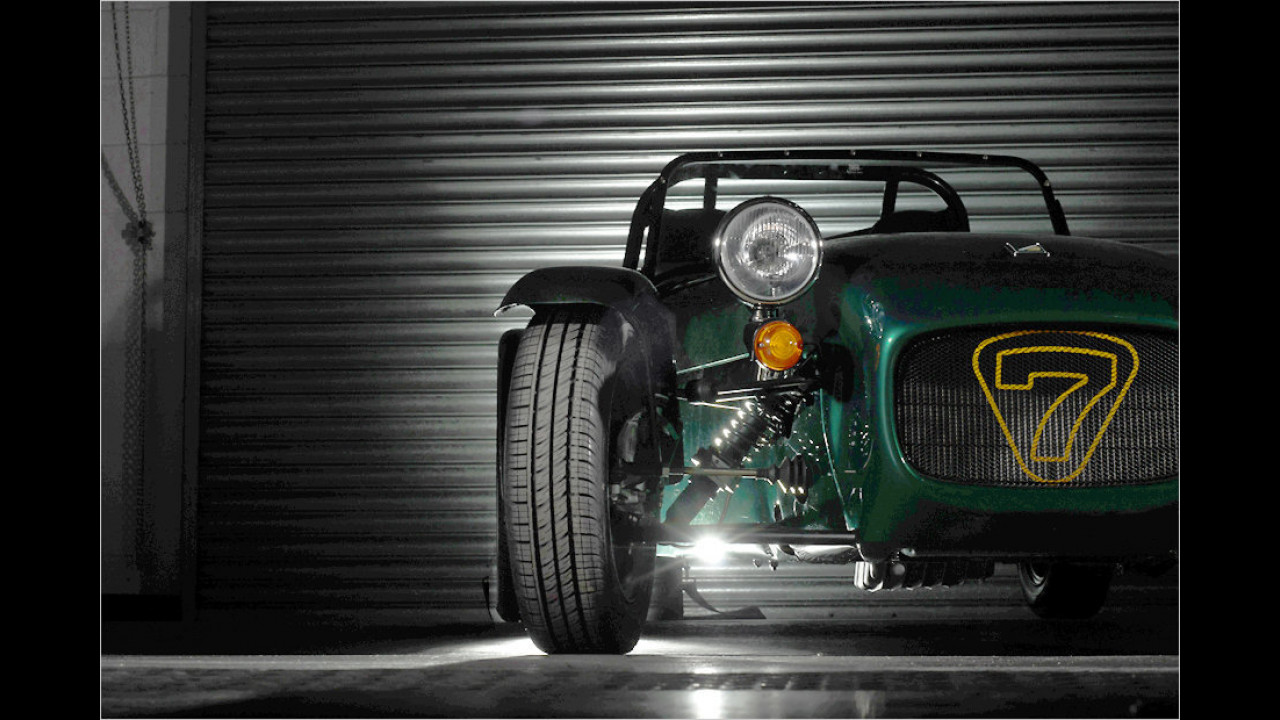 Top: Caterham Seven 165