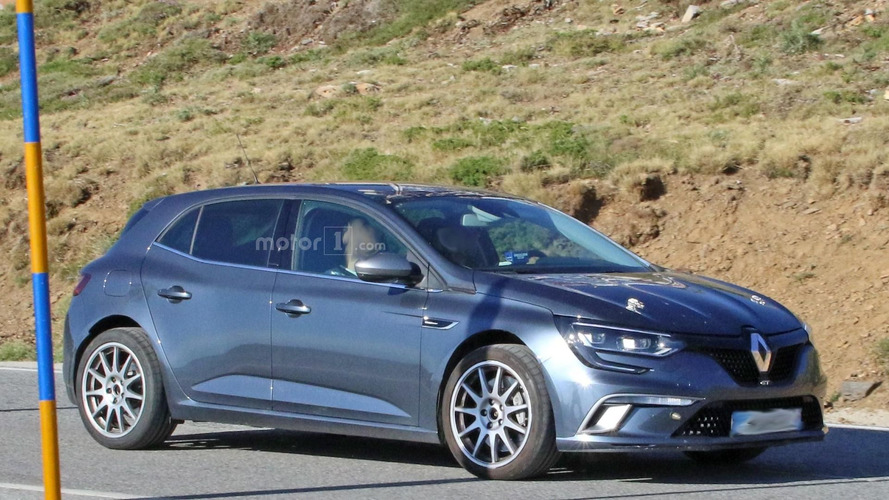 Renault Megane RS test mule spy photos