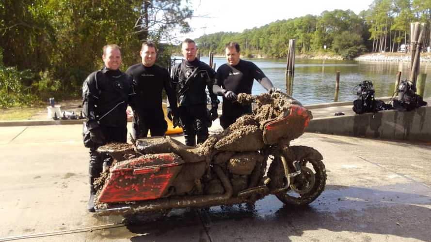 Mysterious H-D Road Glide Found At The Bottom Of A Canal