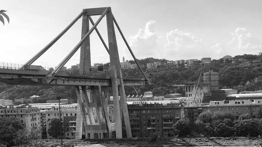 "Ponte Morandi, la NASA svela ""Si muoveva già nel 2015"""