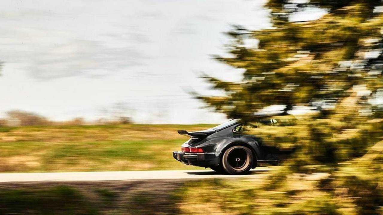 Porsche 930 by Lanzante