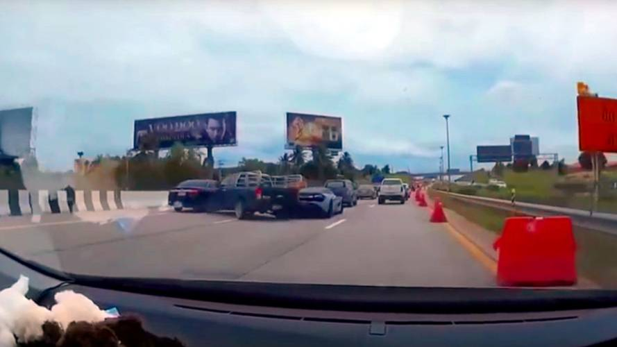 McLaren 720S gets rear-ended in stupid Thai motorway crash