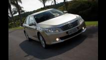 Toyota reduz preço do sedã Camry no Brasil - Modelo agora sai por R$ 145.900