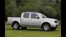 Nissan lança Frontier 2012 com nova cor e novos itens - Preço inicial é de R$ 85.390