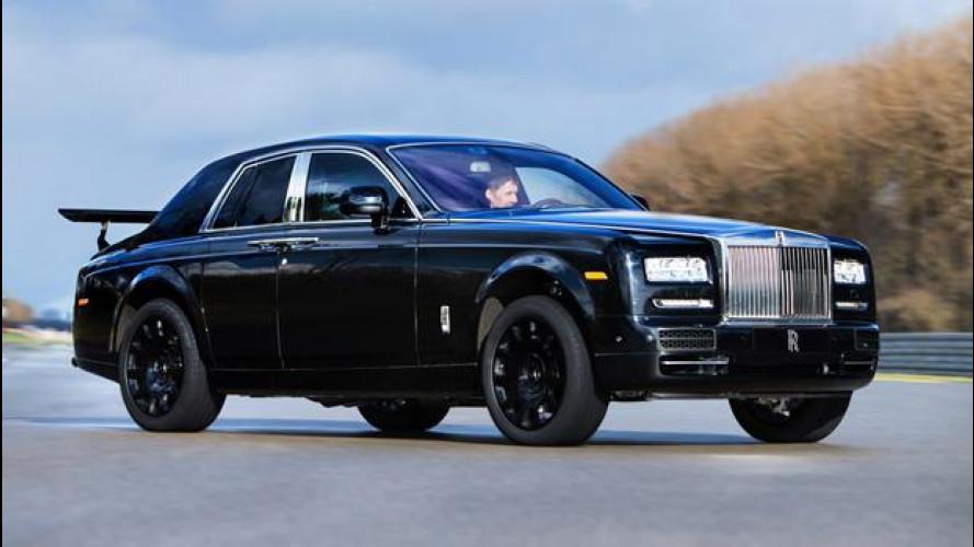 Rolls-Royce: il SUV inizia i collaudi su strada (e in fuoristrada)