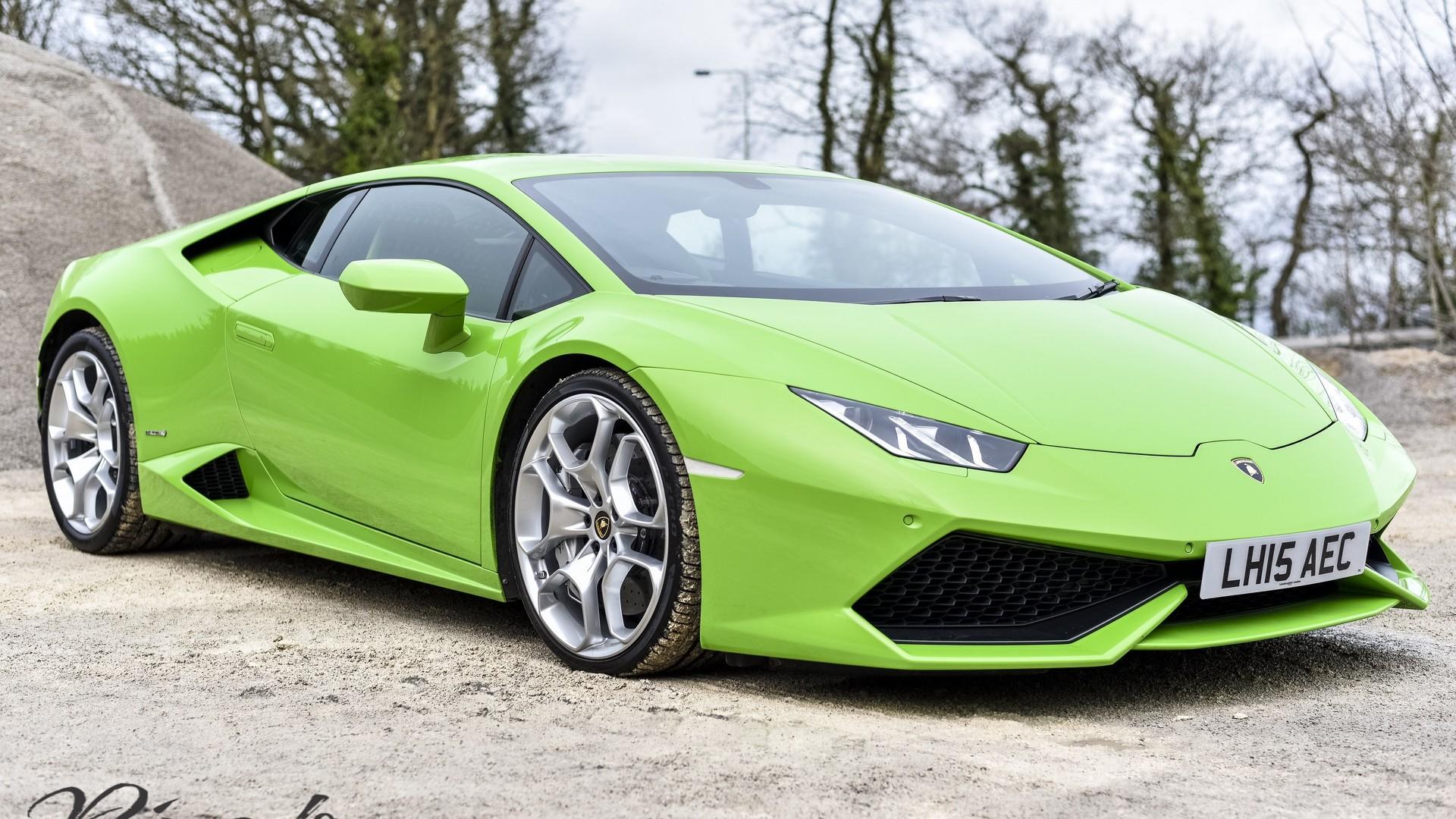 Lamborghini Huracan Performs Taxi Duties In U K