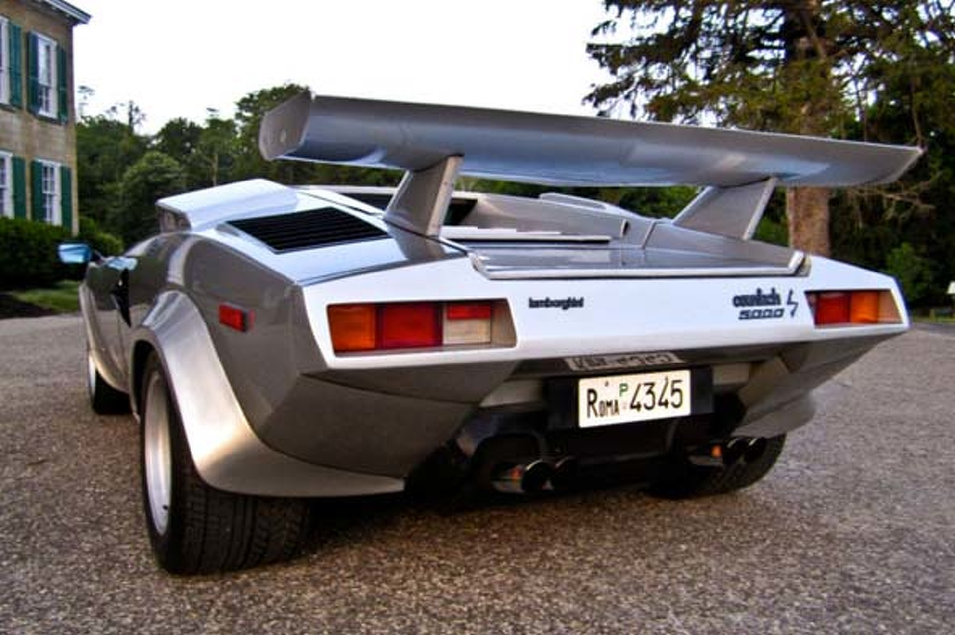 THIS 1982 Lamborghini Countach 5000s is on eBay right now