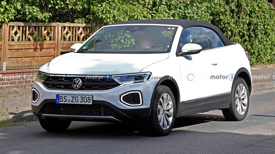 VW T-Roc Cabriolet facelift spied with virtually no camouflage