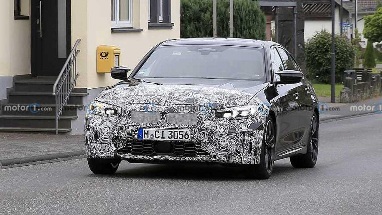 2022 BMW 3 Series M340i Sedan faceliftes kém fénykép