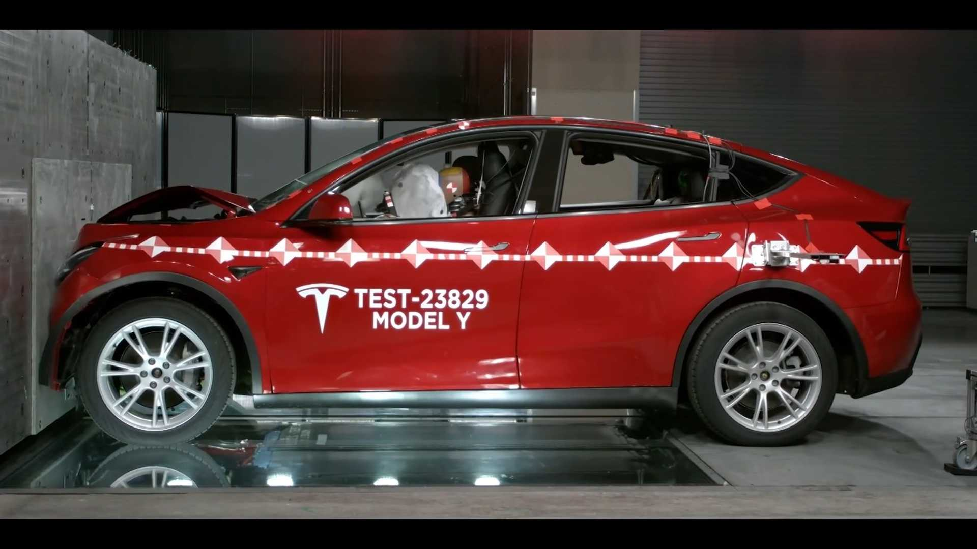 Tesla  Crash Lab: Tesla Моделирование аварии модели Y