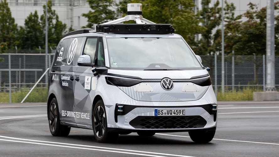 Volkswagen показал беспилотный вэн для коммерческих перевозок