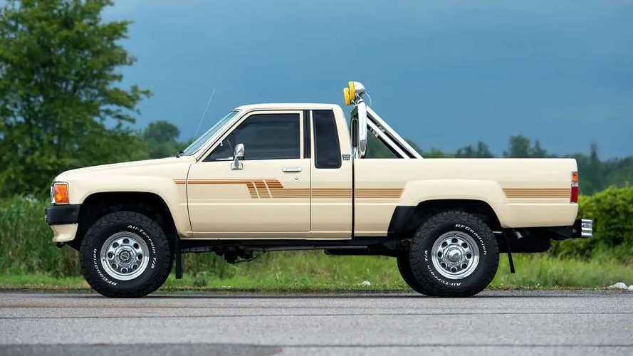 İnanılmaz bir bakıma sahip 1986 Toyota 4x4 Pickup satışa çıkıyor