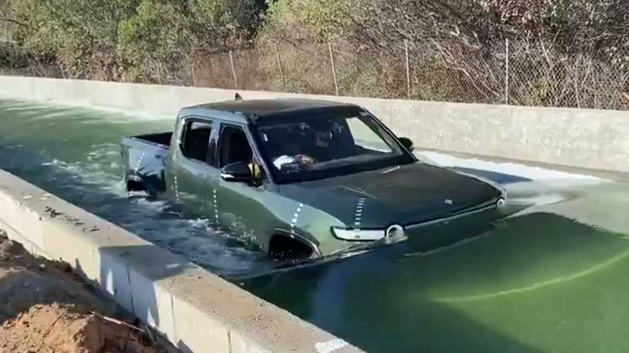Watch Rivian R1T Submerge To The Level Of Its Lights