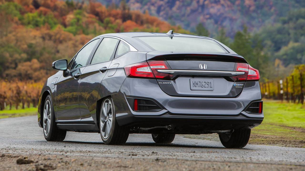2018 Honda Clarity PHEV First Drive: Plugging Into The