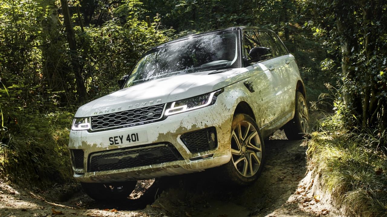 [Copertina] - Range Rover Sport, tra restyling e ibrida plug-in