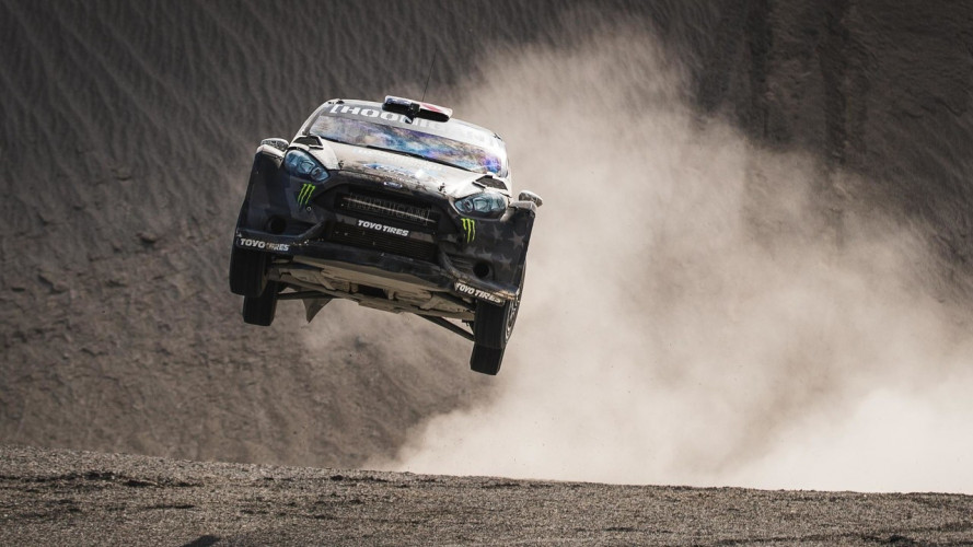 Terrakhana, le super derapate di Ken Block nel deserto [VIDEO]