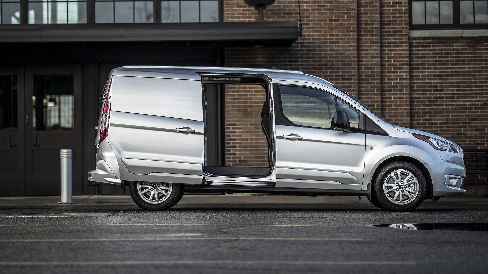 Ford может построить новый маленький фургон в Мексике