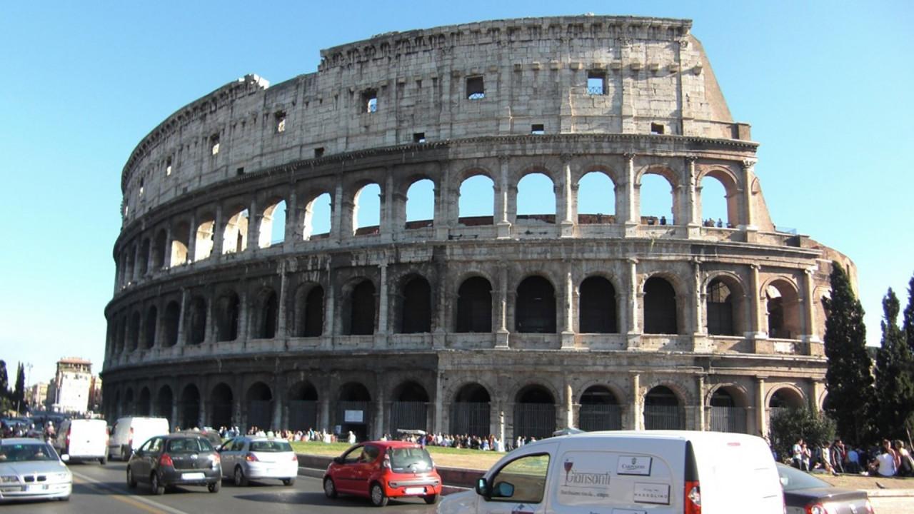 [Copertina] - Roma, stop alle auto Diesel dal 2024