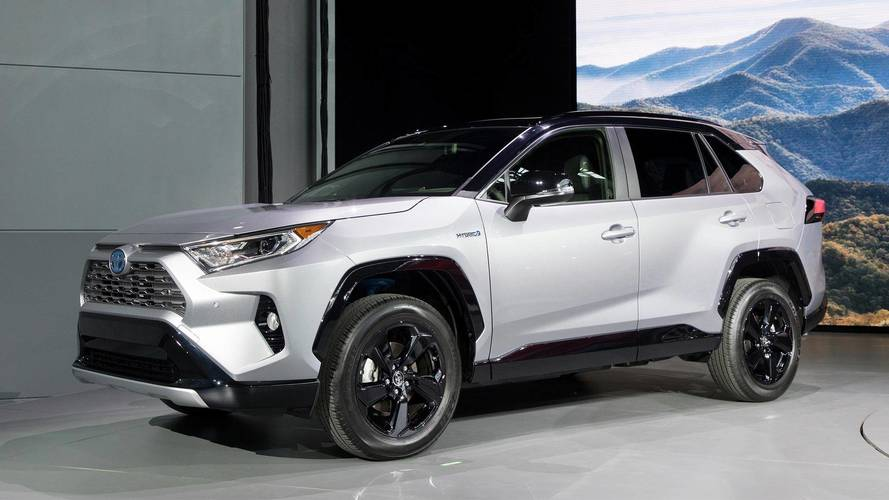 2019 Toyota RAV4 Shows New York Its All-New Style