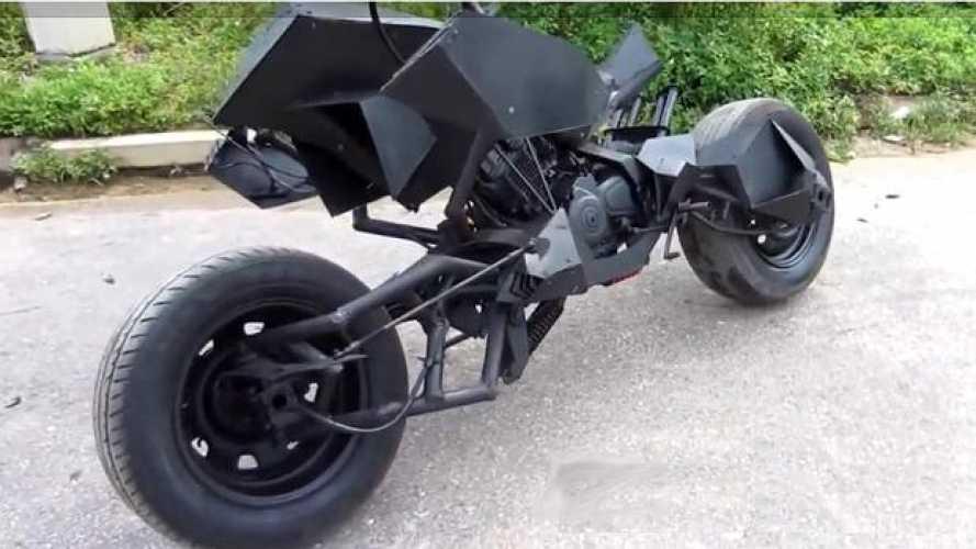 La moto di Batman... se fosse nato in Vietnam - VIDEO