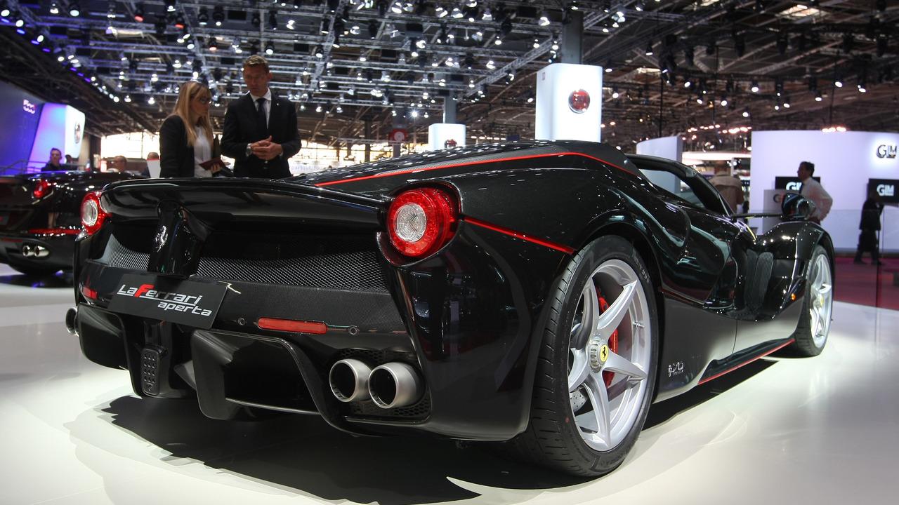 Ferrari LaFerrari Aperta 2016 salón de Paris