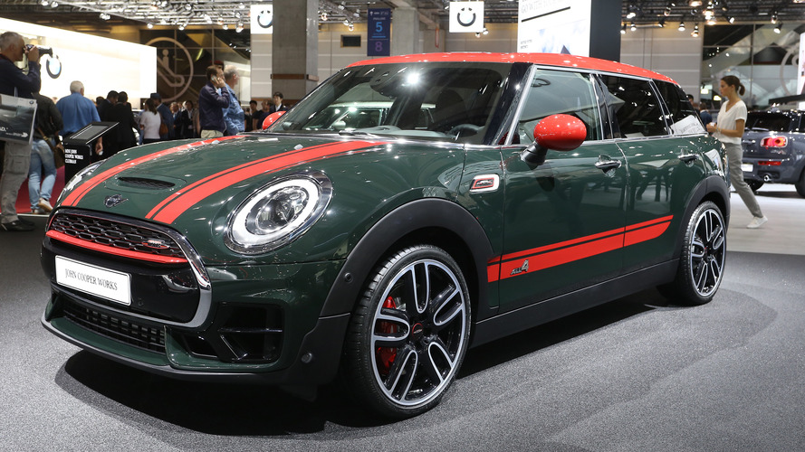 MINI Clubman JCW, AWD ve 231 bg ile Paris'ten 'bonjour' diyor