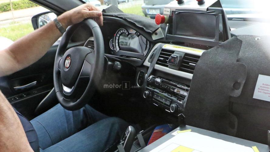 2018 BMW 3-Serisi prototipinde henüz bitmemiş kabin görülebiliyor