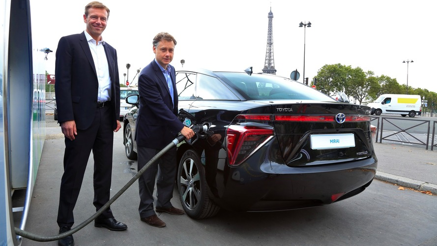 Livraison première Toyota Mirai France