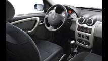 Renault Sandero -  Novo hatch será fabricado no Brasil - Veja as fotos
