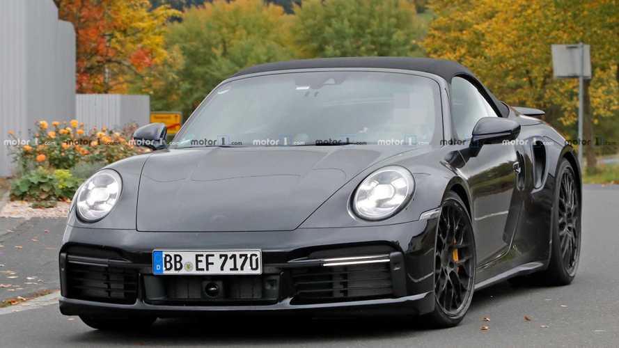 Yeni Porsche 911 Turbo Convertible objektiflere takıldı