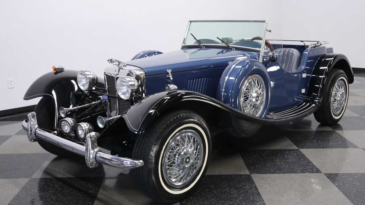1936 Jaguar SS100 Replica Stands Out In Royal Blue Metallic