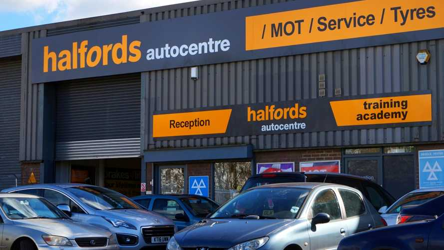 Halfords will check emergency workers' cars for free during lockdown