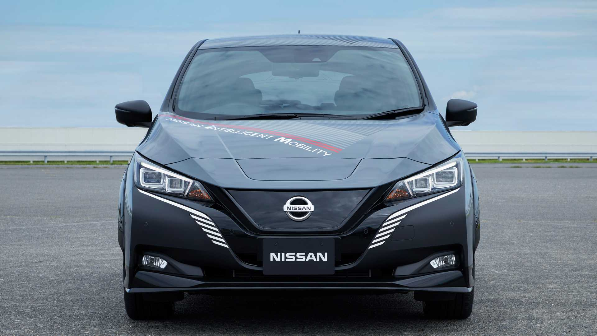 nissan-lea​f-e-with-d​ual-electr​ic-motors-​and-all-wh​eel-drive