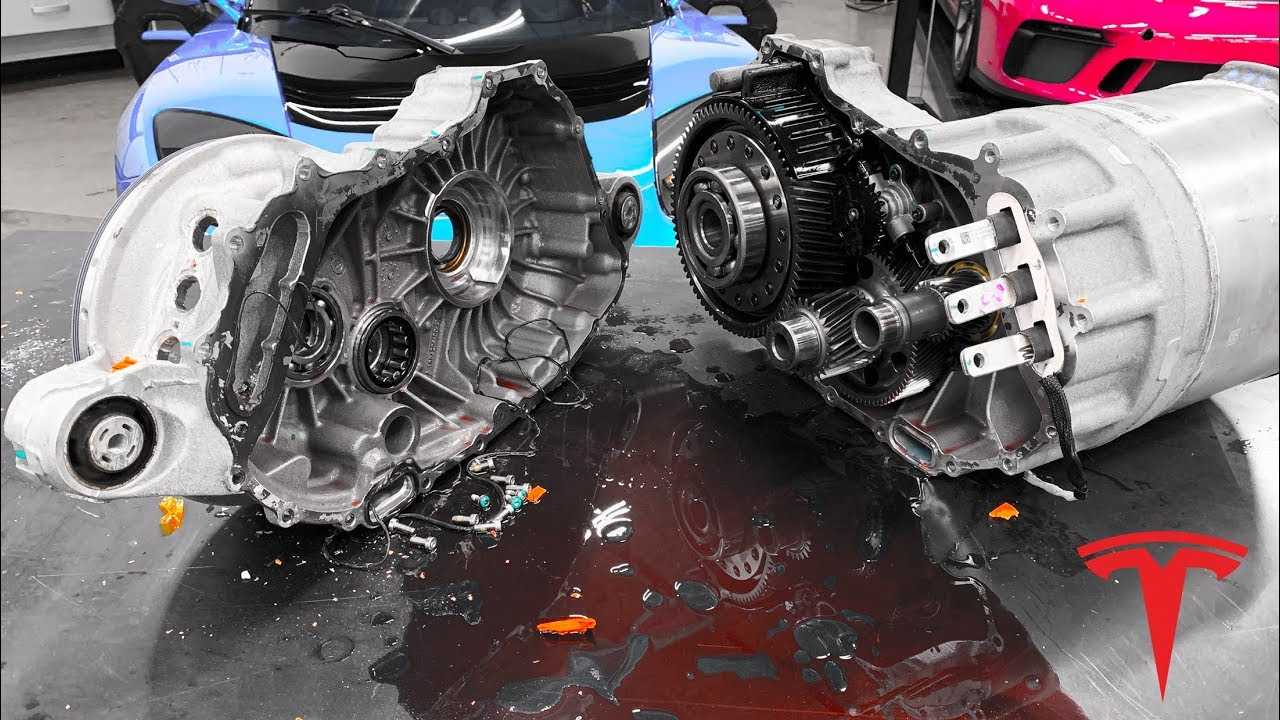 Let's Look At The Guts Of A Tesla Motor: Electric Dissection Video