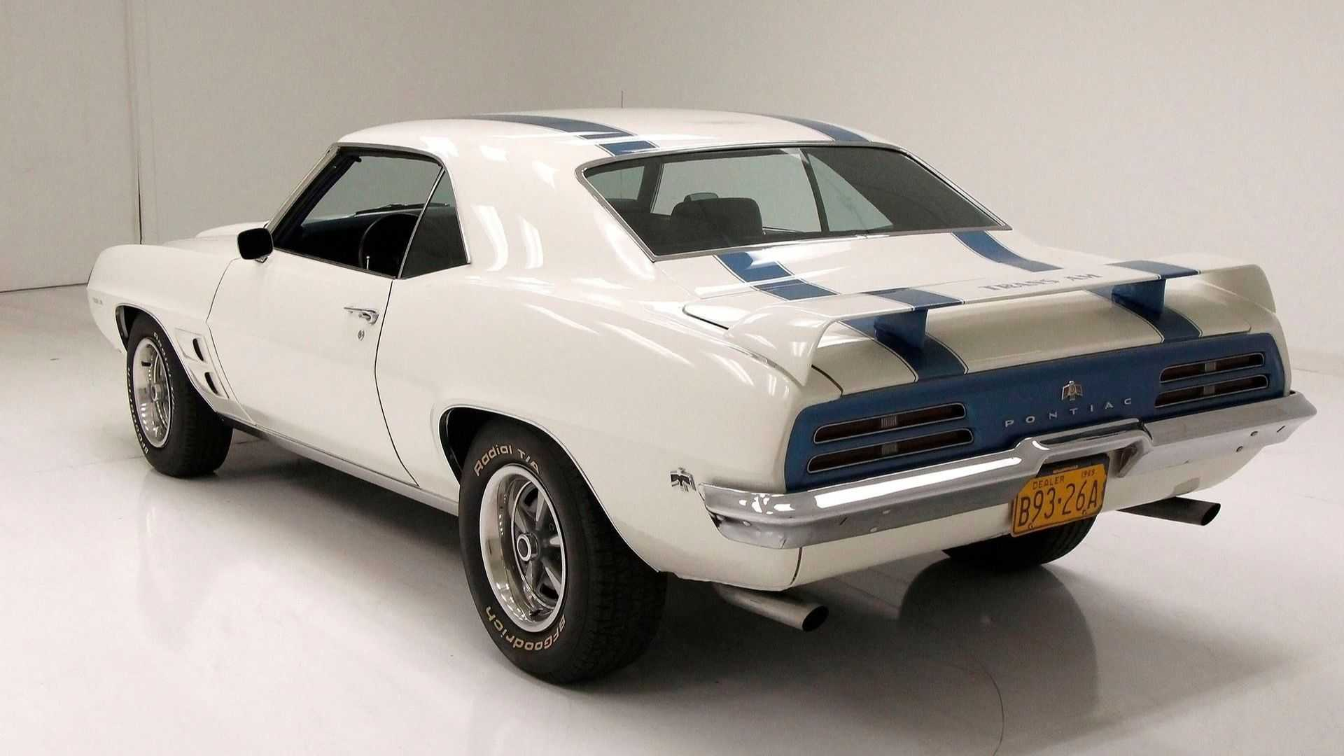 "[""1969 Pontiac Firebird Coupe Pays Tribute To The Trans Am""]"