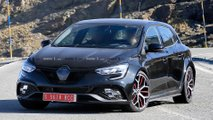renault megane rs 2019 restyling foto spia