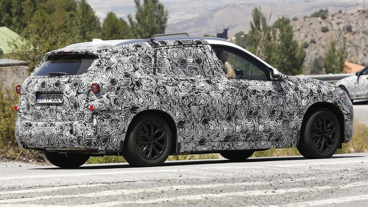 2016 BMW X1 plug-in hybrid spy photo