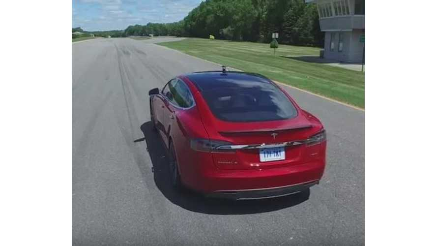 Consumer Reports Tests Braking, Handling, Acceleration Of Tesla Model S P85D - Video