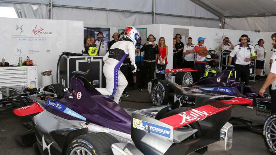 Formula E Car Swapping Takes Practice - Video