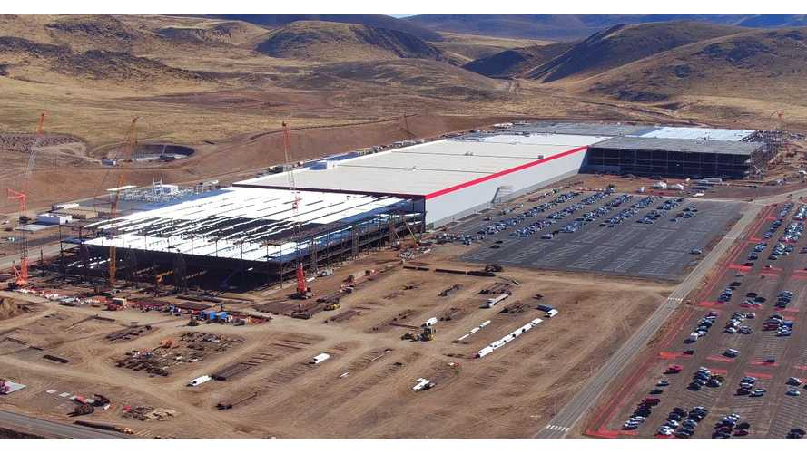 Drone Video Of Tesla Gigafactory - November 2016